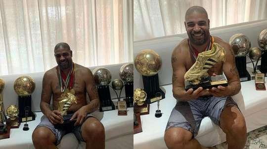 Adriano mostra todas suas conquistas. Instagram/AdrianoImperador