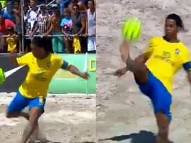Ronaldinho dio un espectáculo en la playa. Ronaldinho