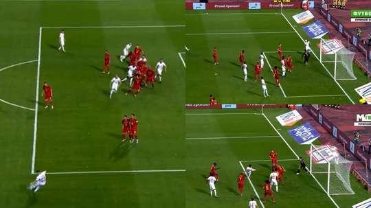 Courtois volvió a encajar otro gol a balón parado. Captura