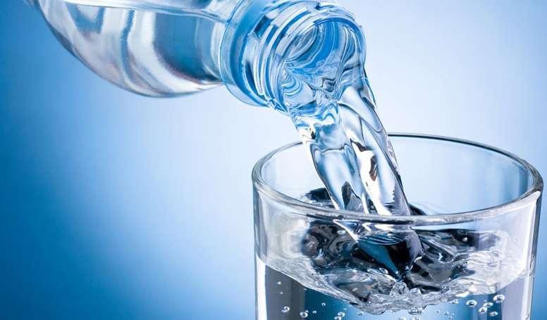 Como te ayuda el agua a adelgazar