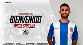 Ángel Sánchez firma por el Salamanca CF. Twitter/SalamancaCFUDS