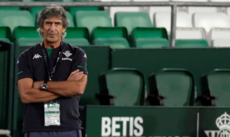 Pellegrini criticó la actuación del árbitro y el VAR. EFE