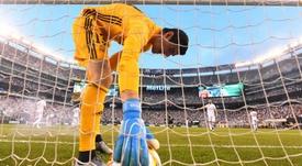 Courtois por fin pudo cerrar un partido sin encajar un tanto. AFP