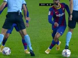El árbitro no se escapó del túnel. Capturas/MovistarLaLiga