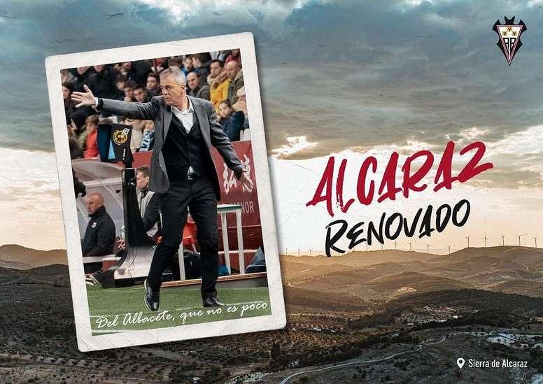 El técnico logró la salvación tras llegar en febrero. Twitter/AlbaceteBPSAD