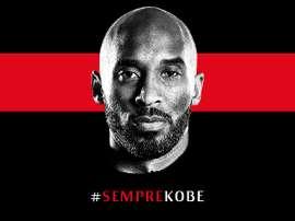 Aplausos e lágrimas na homenagem do Milan a Kobe Bryant. Twitter/ACMilan