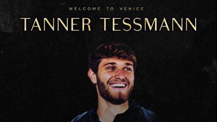 Tanner Tessmann, al Venezia. Captura/VeneziaFC_EN