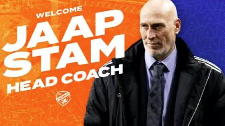 Cincinnati anuncia novo treinador, mas erra feio na foto. Twitter/FCCincinnati