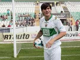 Cristian Sapunaru, durante su etapa como jugador del Elche. Twitter