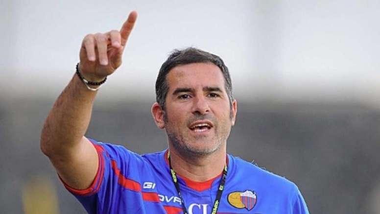 Cristiano Lucarelli, nuevo entrenador del Catania. LivornoCalcio