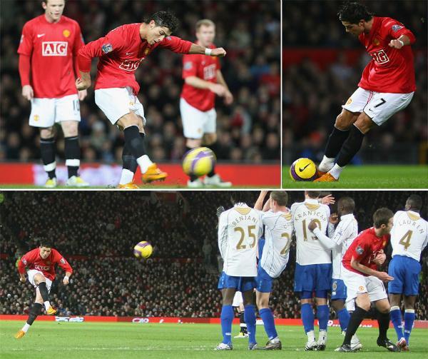 Cristiano Ronaldo anota una falta con el Manchester United. PremierLeague