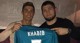 Cristiano manda uma mensagem de apoio a Khabib. AFP