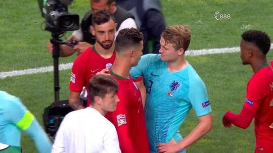 De Ligt revelou o teor da conversa com Cristiano Ronaldo. Captura