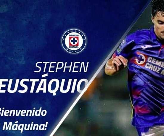 Eustáquio firmó el contrato con Cruz Azul. Twitter/Cruz_Azul_FC