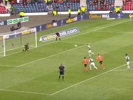 Cummings durante un lanzamiento de penalti. Footbal24-Youtube