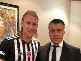 Vida intègre la défense du club turc. Domagojvida