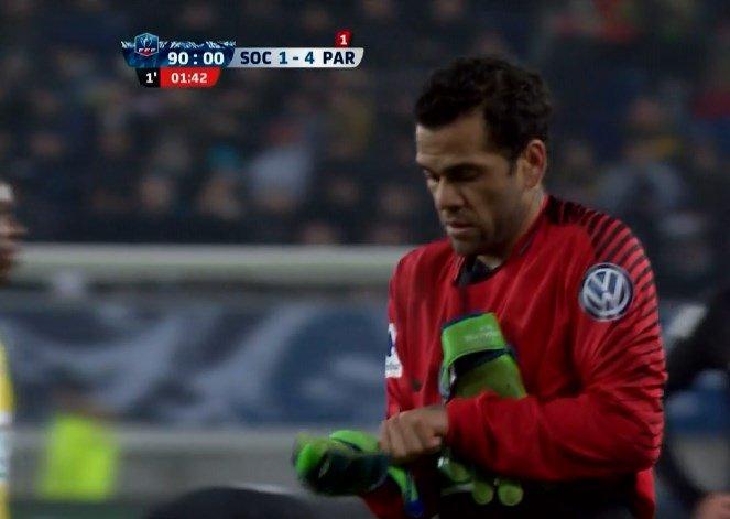 Coupe de France : Quand Dani Alves devient gardien de but ... !