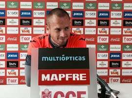Daniel Larsson, durante una rueda de prensa con el Granada. GranadaCF