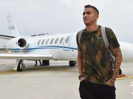 Danilo já está em Turim para assinar com a Juventus. Twitter @juventusfc