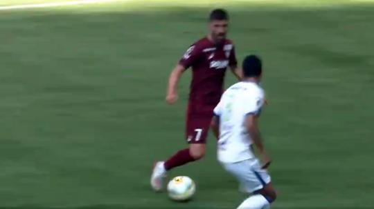 David Villa of Vissel Kobe scores against Shonan Bellmare. Captura/DAZN