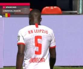 Upamecano voit son premier carton rouge depuis 2017. AFP