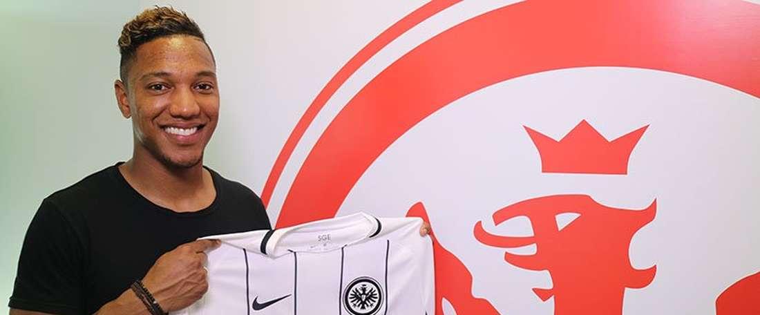 Eintracht Frankfurt appoint De Guzman as their new player.Twitter/EIntracht Frankfurt