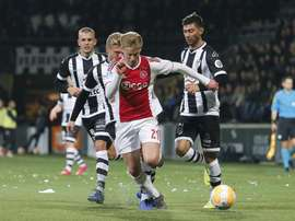 Duro baque para o Ajax. Twitter/AFCAjax