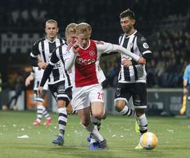De Jong pwut oublier son dernier match avec Vitesse. Twitter/AJAX