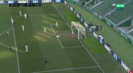 De Jong scored on the line to prevent Diego Gonzalez scoring an OG. Screenshot/Movistar+LaLiga