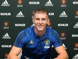 Henderson renova com United e é emprestado ao Sheffield. Twitter/ManUtd
