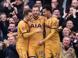 Triunfo esclarecedor do Tottenham na casa do Leicester. AFP