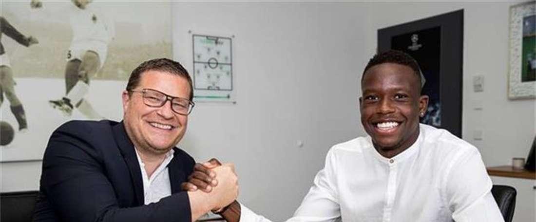 O meia suíço vai emigrar pela primeira vez. Borussia Mönchengladbach