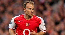 Bergkamp, Kuyt et Larsson veulent racheter un club de D3 anglaise. AFP