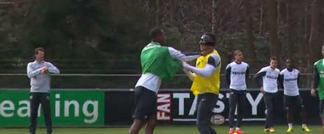 Depay and Brenet had a scuffle when at PSV together. Twitter