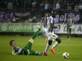 Diagne, jugador del Ujpest, uno de los pretendidos por el Sporting de Portugal. Twitter