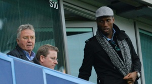 Didier Drogba arrive pour assister au match de son ancienne équipe de Chelsea face à Sunderland, le 19 décembre 2015 à Stamford Bridge. AFP