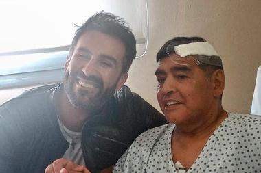 Maradona licenziò il medico. Twitter