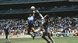 El árbitro del partido de la 'Mano de Dios' recordó con tristeza a Diego. Archivo