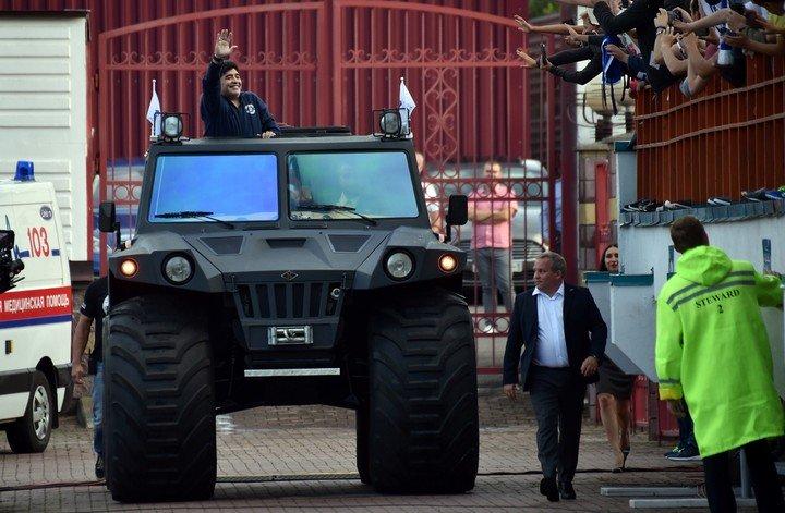 Casas, negocios y hasta un tanque anfibio: la herencia de Maradona. AFP