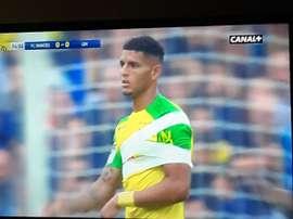 Diego Carlos a joué blessé. Twitter