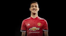 Dalot é o novo reforço do Manchester United. Twitter/ManUnited