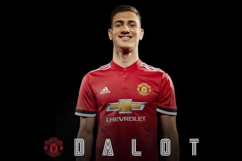 24441b69345 Pin Dalot will wear the number 20 shirt for the coming season. Twitter /ManUtd