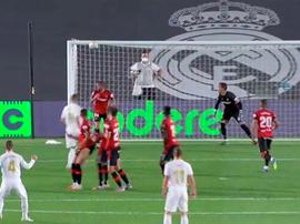 Ramos envoie un coup franc en pleine lucarne Capture/MovistarFutbol