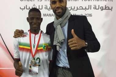 Djenepo se formó en la escuela de Kanouté. Twitter/FredericKanoute