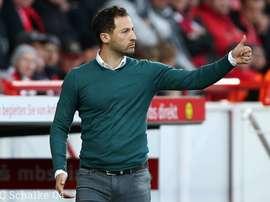 Nova época, novo técnico nos 'mineiros'. Schalke 04