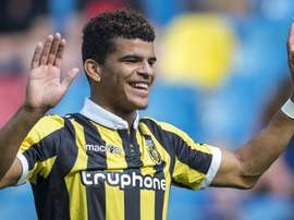Dominic Solanke has been approached by Arsenal. VitesseFC