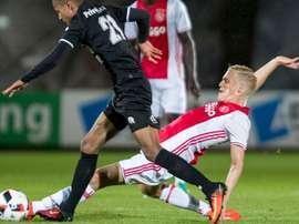 Van de Beek, in PSG's sights. Ajax