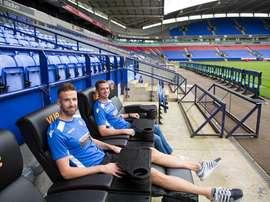 La comodidad de ver el fútbol en casa, pero desde el propio estadio. Bolton