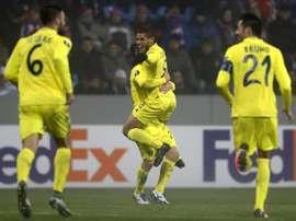 Dos Santos celebra su gol ante el Viktoria Plzen. Twitter
