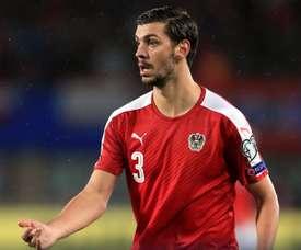 Dragovic se marchó cedido del Leverkusen al Leicester. Twitter/Leicester